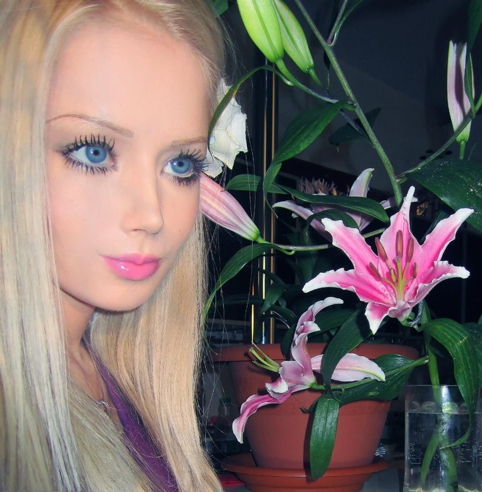 Real-life ukrainian barbie doll, valeria lukyanova photos and video