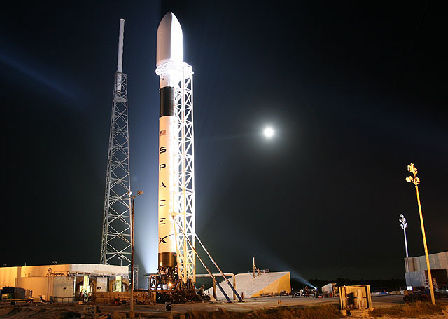 Falcon 9 and Dragon Capsule Abort to Launch