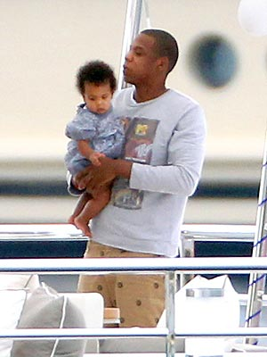 Jay-Z and baby Blue Ivy Carter photo